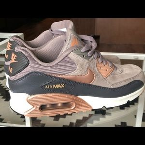 Nike Air Max 90 Bronze Rose Gold Women size 8